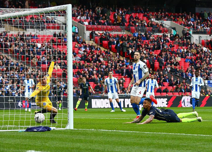 Vào chung kết FA Cup, Man City tiến sát giấc mơ ăn 4 - Ảnh 3.