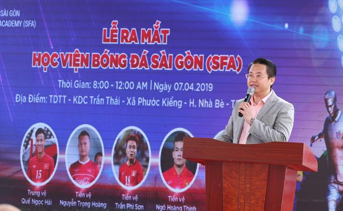 Quế Ngọc Hải, Trọng Hoàng bất lực trong trận đấu 7 chấp 15 với học viên nhí trường SFA - Ảnh 2.