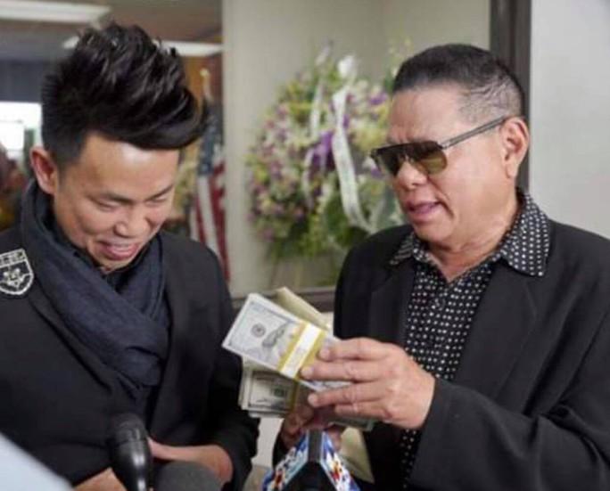 Tỉ phú Hoàng Kiều hỗ trợ gia đình nghệ sĩ Anh Vũ 30.000 USD - Ảnh 1.