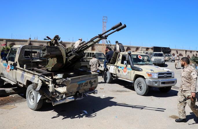 Chiến sự leo thang ở Libya - Ảnh 1.