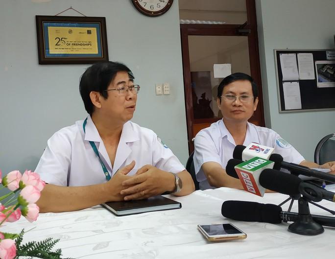 TP HCM: 10 người bị kẻ lạ tấn công phải chống phơi nhiễm HIV hiện ra sao? - Ảnh 1.
