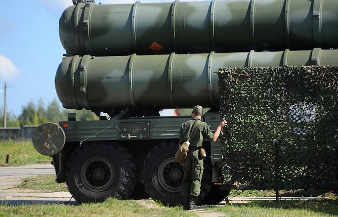 """Bất chấp tối hậu thư của Mỹ, Nga vẫn bán """"rồng lửa"""" S-400 - Ảnh 1."""