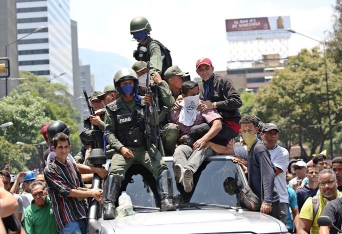 Tổng thống Venezuela tuyên bố đập tan âm mưu đảo chính - Ảnh 3.