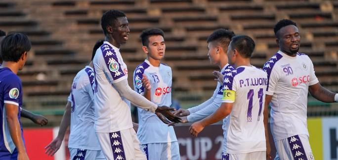 Khổ vì thể thức của AFC Cup: Hà Nội FC, B.Bình Dương thắng to vẫn lo - Ảnh 1.