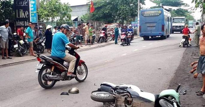 TP HCM: Xe buýt chạy sai lộ trình rồi va chạm xe máy, 1 người mất mạng - Ảnh 1.