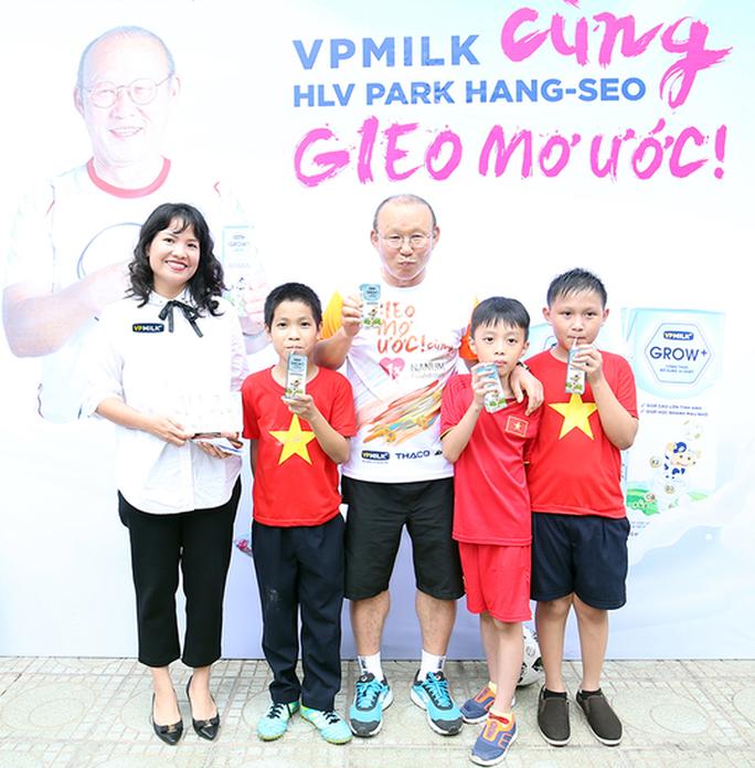HLV Park Hang-seo gieo mơ ước cho cầu thủ nhí Việt Nam - Ảnh 6.