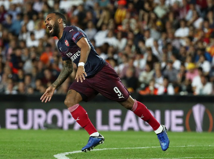 Arsenal đại thắng nhờ hat-trick, Chelsea nghẹt thở thắng luân lưu - Ảnh 5.