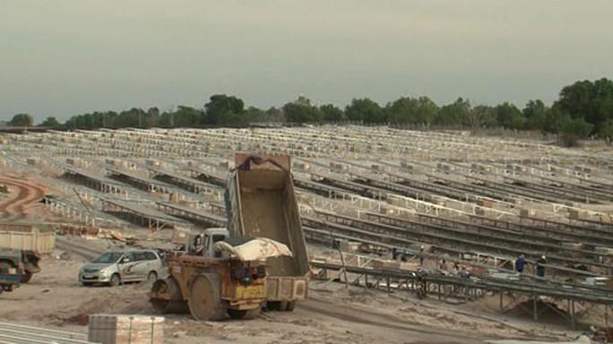 Điện mặt trời Bình Thuận khó về đích đúng hạn - Ảnh 1.