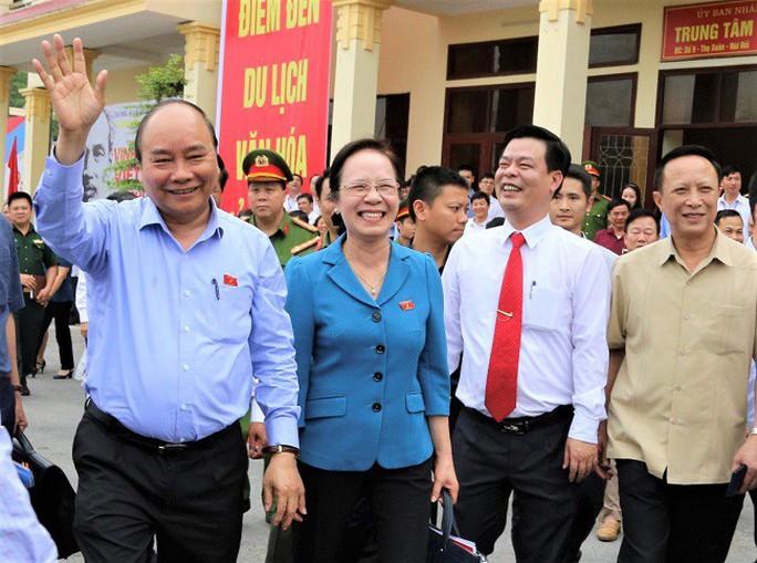 Thủ tướng nhắc tới sự chỉ đạo của Tổng Bí thư, Chủ tịch nước về xây dựng Đảng - Ảnh 1.
