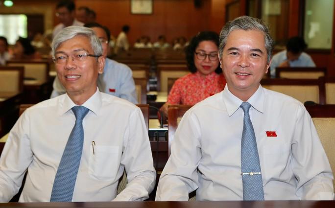 Thiếu tướng công an và Chánh Văn phòng UBND TP được bầu làm Phó Chủ tịch UBND TP HCM - Ảnh 1.