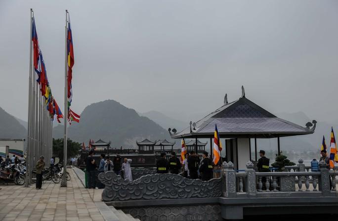 Cận cảnh Chùa Tam Chúc sẵn sàng cho đại lễ Phật đản Vesak 2019 - Ảnh 8.