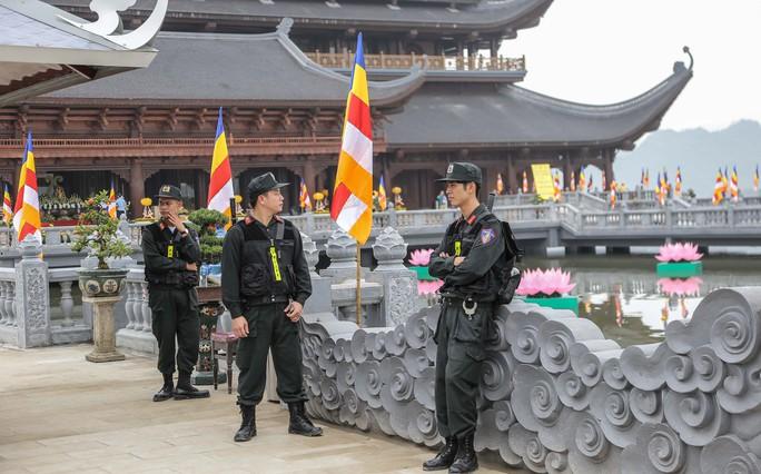 Cận cảnh Chùa Tam Chúc sẵn sàng cho đại lễ Phật đản Vesak 2019 - Ảnh 7.