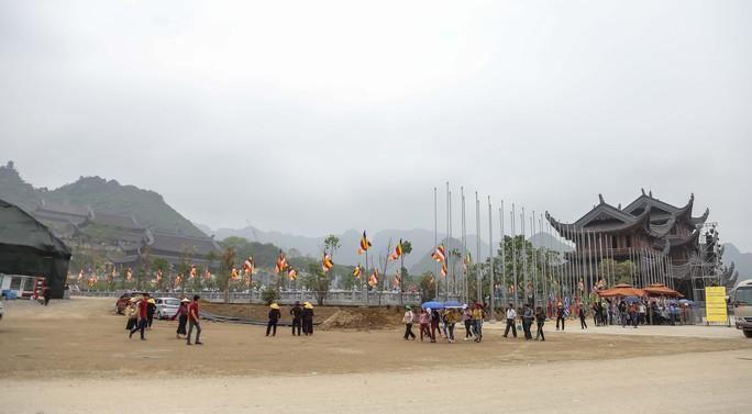 Cận cảnh Chùa Tam Chúc sẵn sàng cho đại lễ Phật đản Vesak 2019 - Ảnh 15.