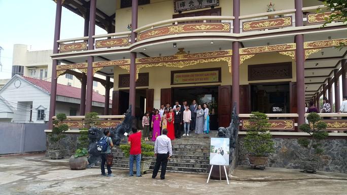 Long An: Tổ chức đám cưới trong chùa Phước Bảo - Ảnh 1.
