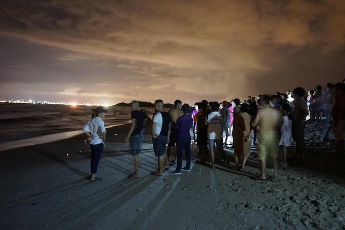 Tìm thấy thi thể nam sinh viên mất tích khi tắm biển Đà Nẵng - Ảnh 1.