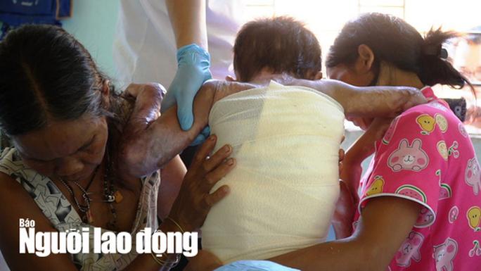 Bác sĩ năn nỉ xin cứu bé 9 tuổi, gia đình quyết từ chối - Ảnh 2.