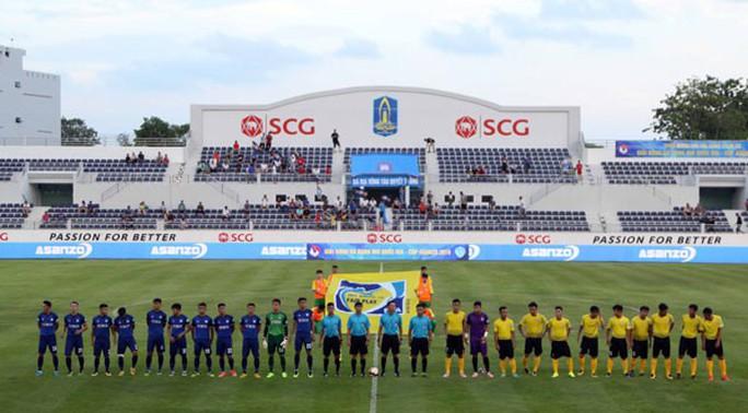 Sân bóng siêu đẹp được chọn để khai mạc giải hạng nhì Quốc gia - Ảnh 1.
