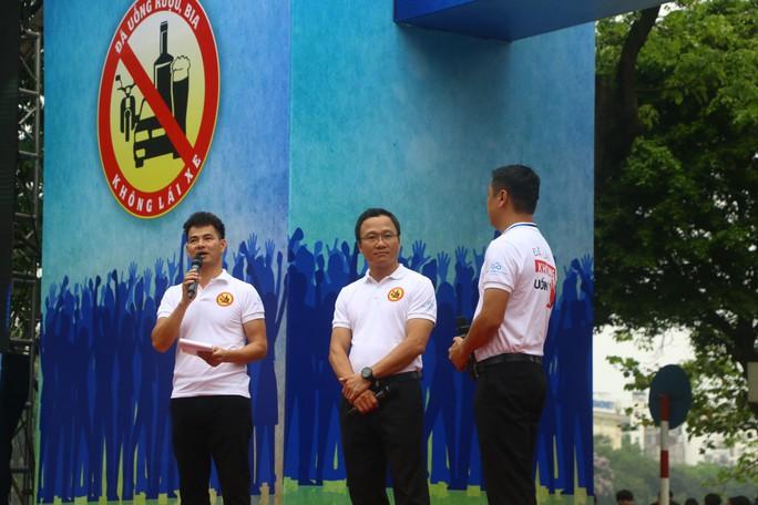 Phó Thủ tướng cùng hơn 8 ngàn người đi bộ kêu gọi Đã uống rượu bia - Không lái xe - Ảnh 5.