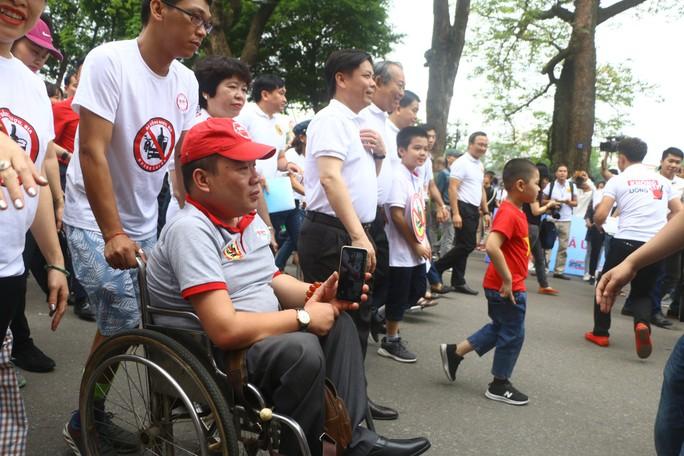 Phó Thủ tướng cùng hơn 8 ngàn người đi bộ kêu gọi Đã uống rượu bia - Không lái xe - Ảnh 9.