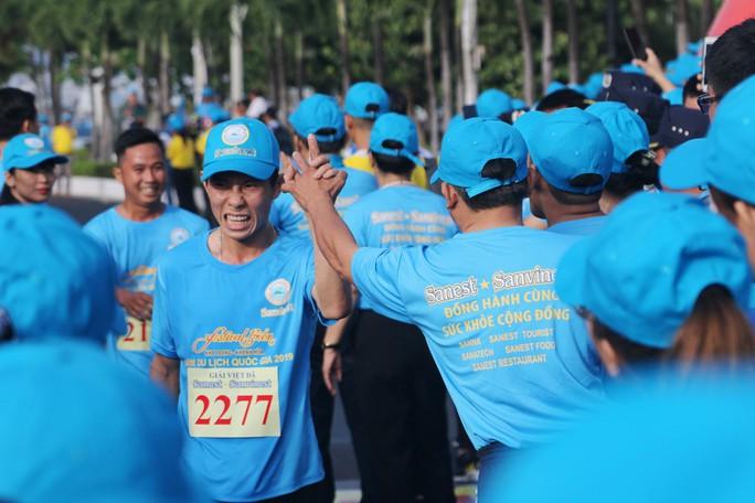 Giải việt dã 2.222 người của Yến sào Khánh Hòa lập kỷ lục Việt Nam - Ảnh 4.