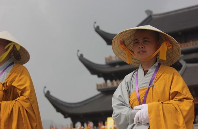 Thủ tướng: Suy nghiệm lời Phật dạy để kiến tạo xã hội tốt đẹp hơn - Ảnh 18.