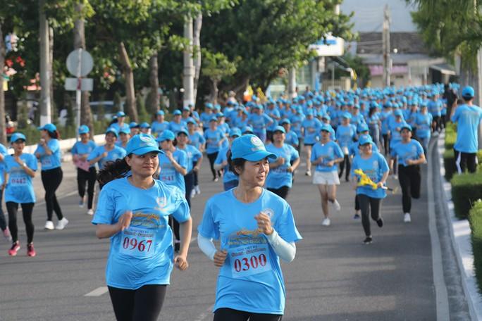 Giải việt dã 2.222 người của Yến sào Khánh Hòa lập kỷ lục Việt Nam - Ảnh 3.