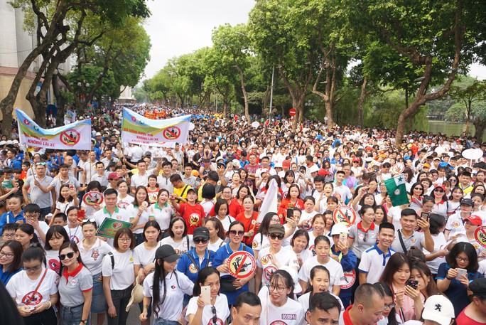 Phó Thủ tướng cùng hơn 8 ngàn người đi bộ kêu gọi Đã uống rượu bia - Không lái xe - Ảnh 6.