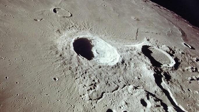 Mặt trăng ngày càng teo tóp - Ảnh 2.