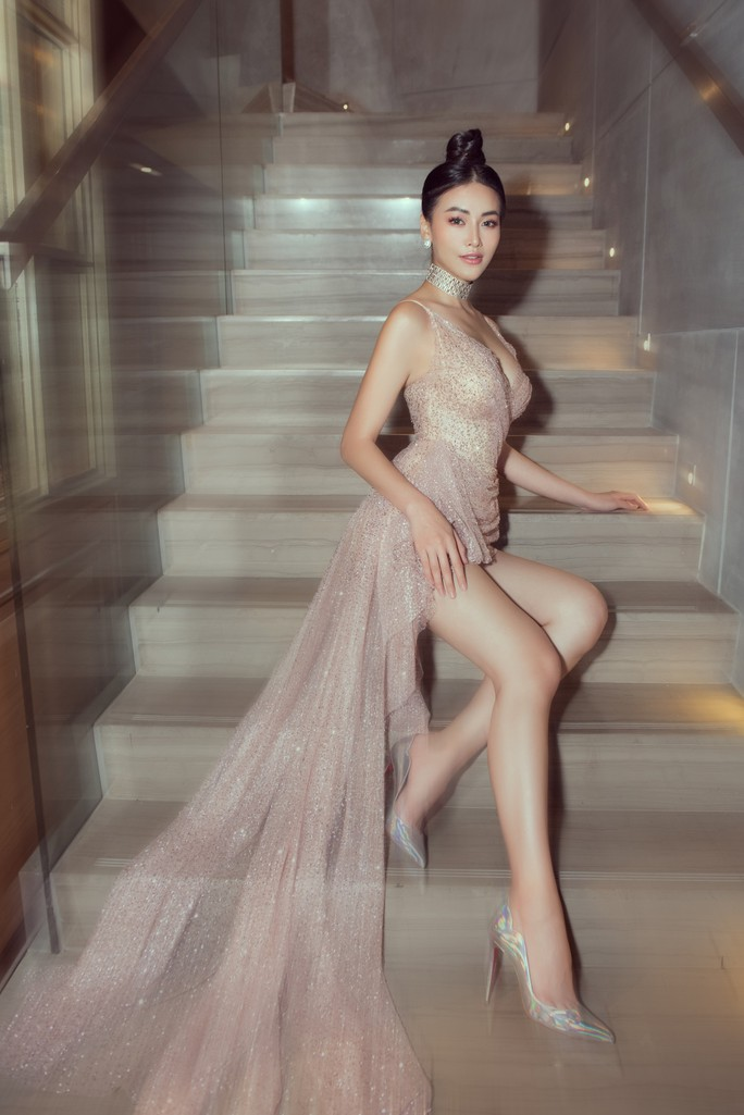 Hoa hậu Trái Đất Phương Khánh ngày càng bốc lửa - Ảnh 1.