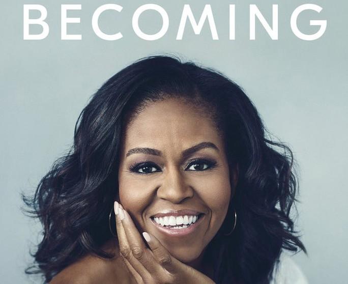 Nhà văn trẻ đánh bại bà Michelle Obama - Ảnh 1.