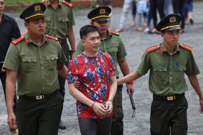 Tòa bất ngờ hoãng tuyên vụ Văn Kính Dương, quay lại phần xét hỏi - Ảnh 3.