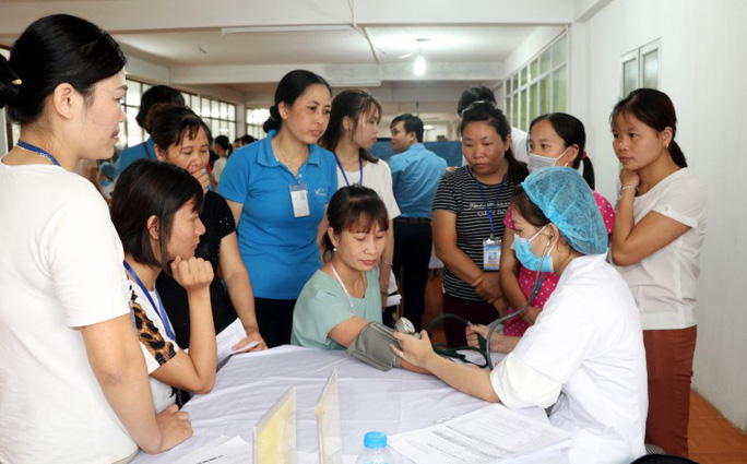 Nam Định: Khám sức khỏe miễn phí cho công nhân - Ảnh 1.