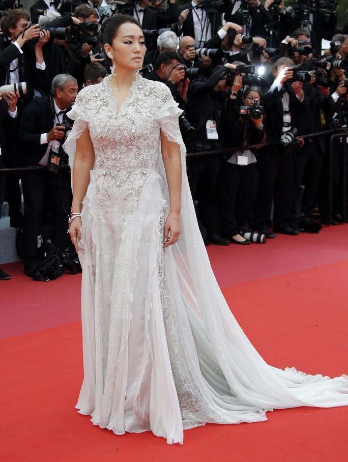 Dàn sao nữ diện đầm xẻ táo bạo tại Cannes 2019 - Ảnh 9.