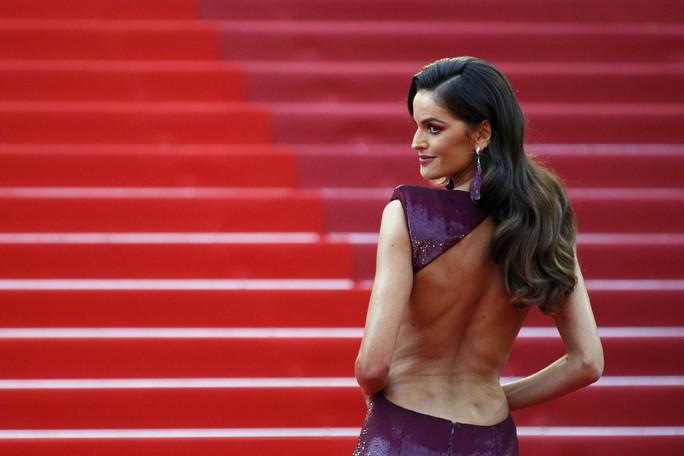 Dàn sao nữ diện đầm xẻ táo bạo tại Cannes 2019 - Ảnh 4.