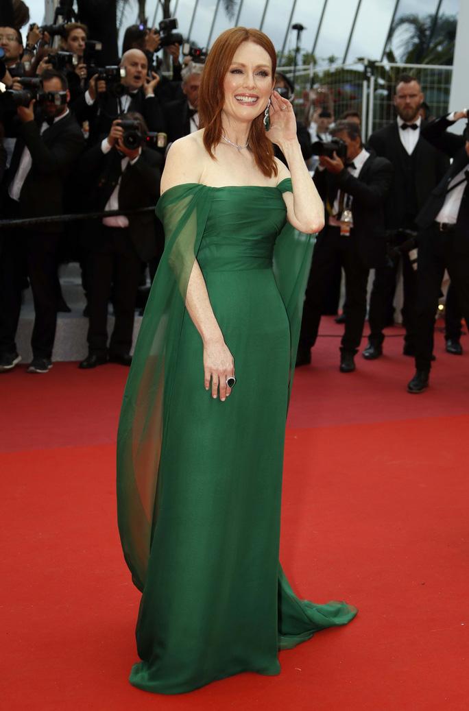 Dàn sao nữ diện đầm xẻ táo bạo tại Cannes 2019 - Ảnh 8.