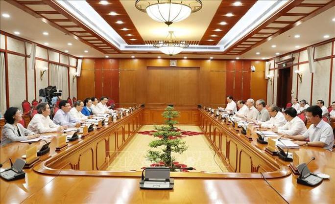 Bộ Chính trị họp xem xét, cho ý kiến về các báo cáo quan trọng - Ảnh 1.