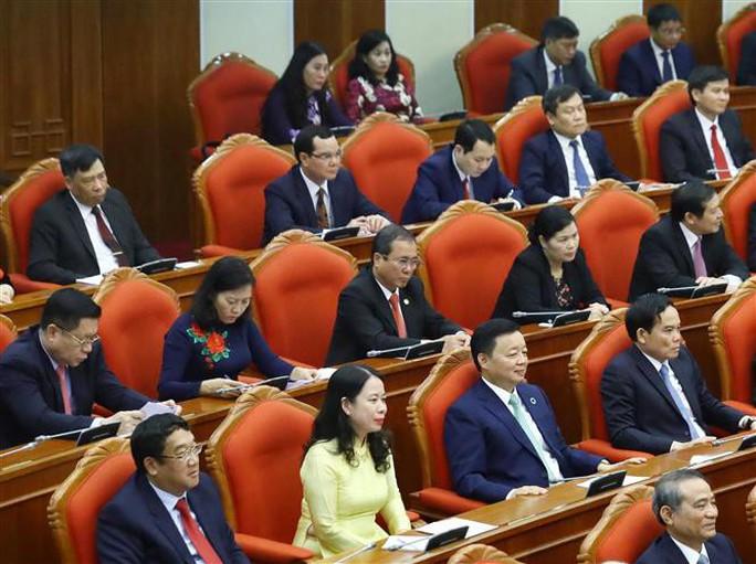 Cận cảnh khai mạc Hội nghị Trung ương 10 - Ảnh 16.