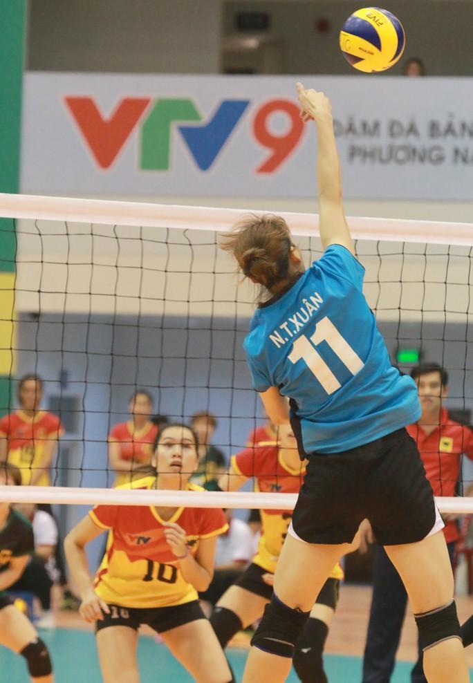 Rượt đuổi thót tim, VTV Bình Điền Long An đoạt vé bán kết - Ảnh 2.