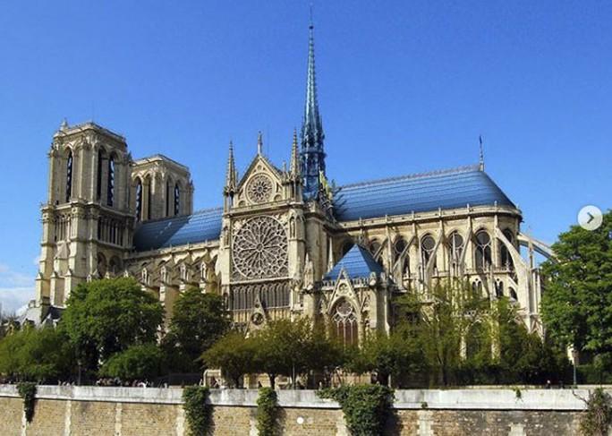 Choáng với những mẫu thiết kế Nhà thờ Đức Bà Paris - Ảnh 5.