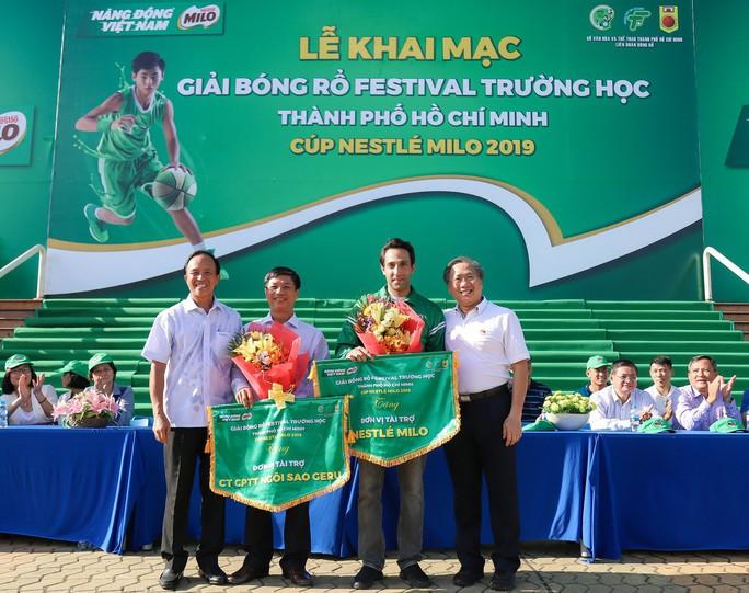 156 đội bóng rổ thi tài ở khai mạc Festival trường học TP HCM - Ảnh 1.