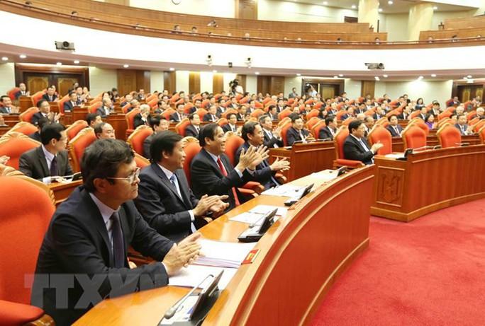 Những hình ảnh phiên bế mạc Hội nghị Trung ương 10 - Ảnh 3.