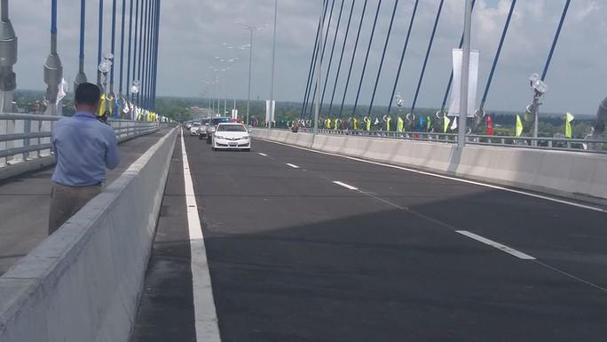 Cầu Vàm Cống bắc qua sông Hậu chính thức được khánh thành - Ảnh 6.