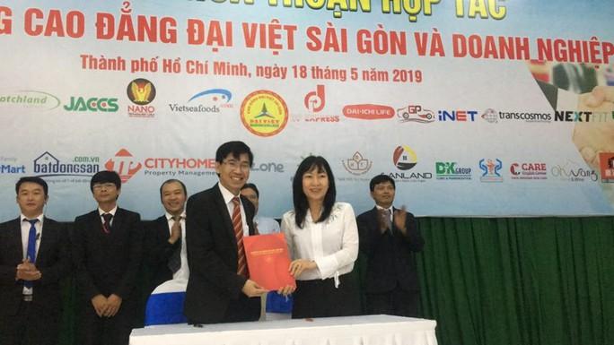 Trường CĐ Đại Việt Sài Gòn hợp tác với 50 doanh nghiệp trong đào tạo, giải quyết việc làm - Ảnh 1.