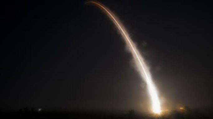 Thông báo rút khỏi INF, Mỹ đặt hàng hơn 1 tỉ USD tên lửa - Ảnh 1.