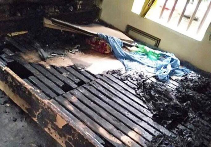 Người mẹ bị con gái ruột tưới xăng châm lửa đốt ở Hà Nam đã tử vong - Ảnh 2.