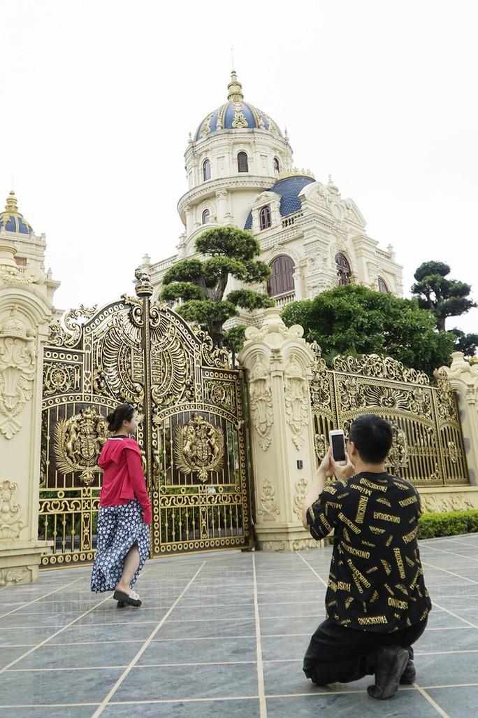 Choáng ngợp trước lâu đài ngàn tỉ đồng của đại gia Ninh Bình - Ảnh 9.