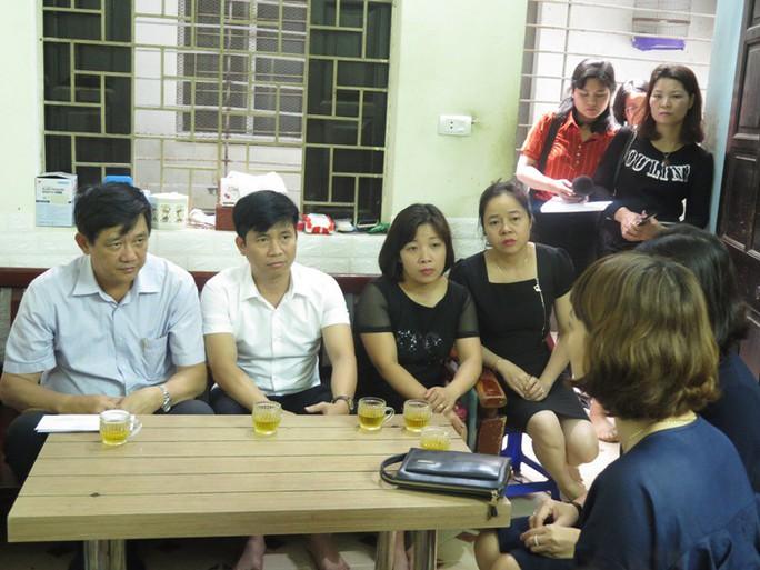 Công đoàn Giáo dục Việt Nam hỗ trợ gia đình cô giáo tử vong do tai nạn giao thông - Ảnh 1.