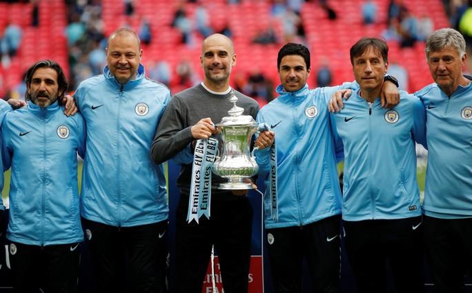 Man City tung 100 triệu bảng để trói HLV Guardiola thêm 5 năm - Ảnh 4.