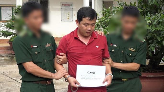 Thưởng nóng ban chuyên án phá vụ vận chuyển 64 kg ma túy ở Long An - Ảnh 2.