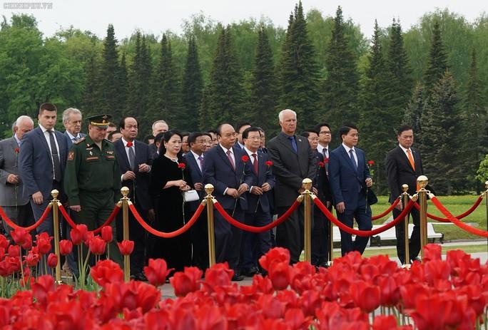 Lễ đón chính thức Thủ tướng Nguyễn Xuân Phúc tại thủ đô Moscow - Ảnh 4.
